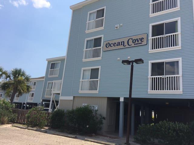 Oceanfront Ocean Isle Beach Condo - Ocean Isle Beach