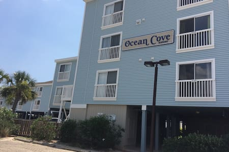 Oceanfront Ocean Isle Beach Condo - Ocean Isle Beach - Osakehuoneisto