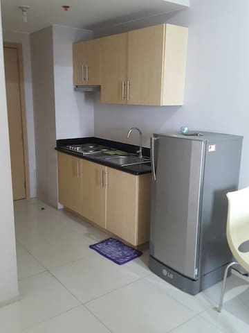 2BR Combined Unit w/ wifi & balcony - Quezon City - Condominium