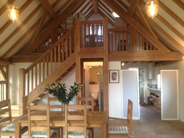 Ashwell Barn, Chedworth - Heart of the Cotswolds - Chedworth - บ้าน
