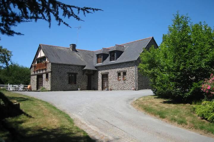 Maison de vacances pittoresque à Saint James avec jardin