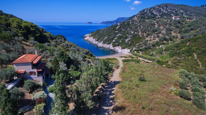 Aparktion, Between Green Wild Nature and Blue Sea! - Alonnisos - Byt