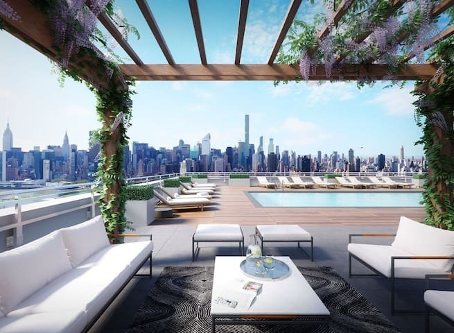 Modern Luxury Apartment with Stunning View LIC