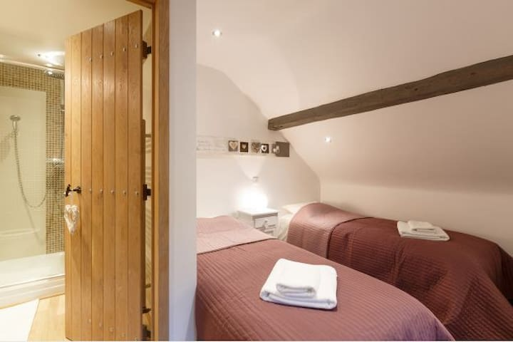 """Villa """"Grand Coo"""" **** pool and jacuzzi 7p + 1baby - Stavelot - House"""