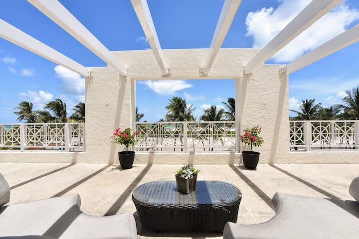 Breathtaking Penthouse Direct Ocean Front 3/3