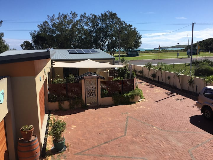 Lancelin Studio37   beachfront accommodation