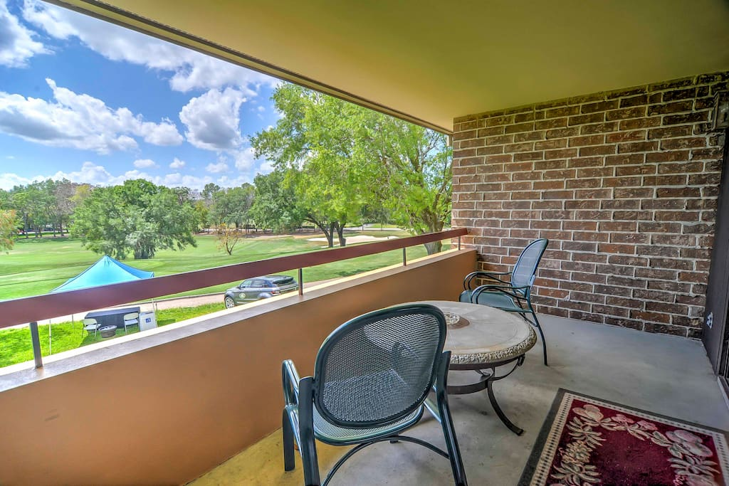 Enjoy beautiful views overlooking the Copperhead Golf Course's signature hole!