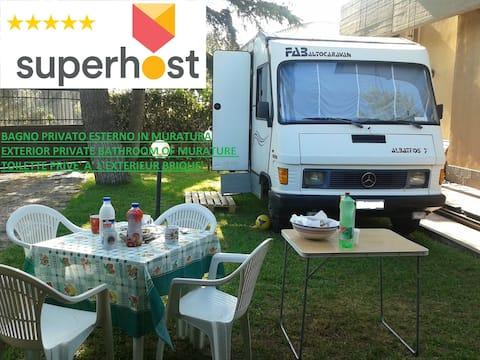 Camper+external bathroom/kitchen(electric heaters)
