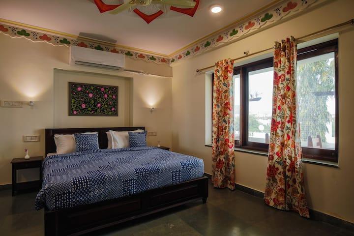 Heritage NON AC Room - -TV |Wifi |24x7 Concierge