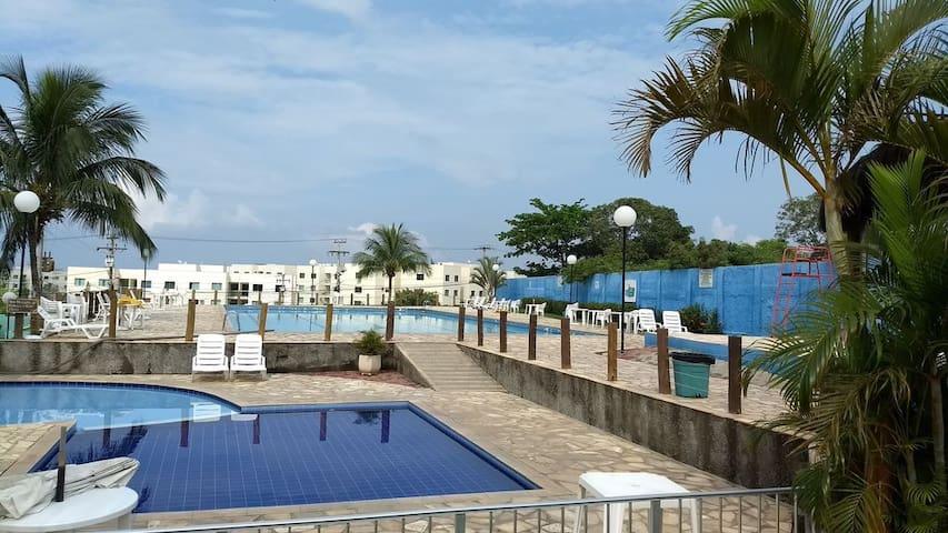 Apto 3 quartos no Cond. Marina Clube - Cabo Frio