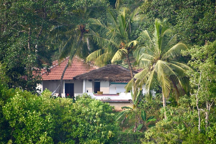 Villa to rent on Koggala Lake