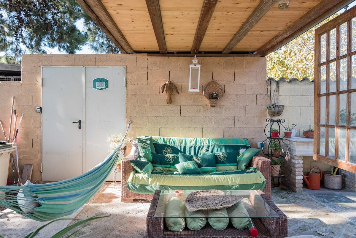 """""""Ticino"""". Apartamento con luz natural en una casa del siglo XIX en Valencia"""