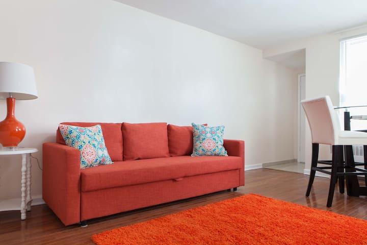 Nice 2 bedroom apartment in quiet neighborhood - บรองซ์ - บ้าน