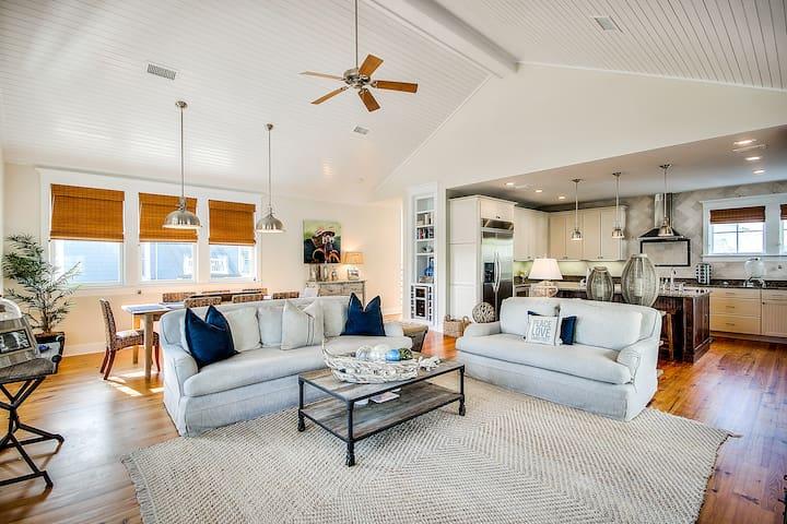 Open concept floor plan for relaxing atmosphere