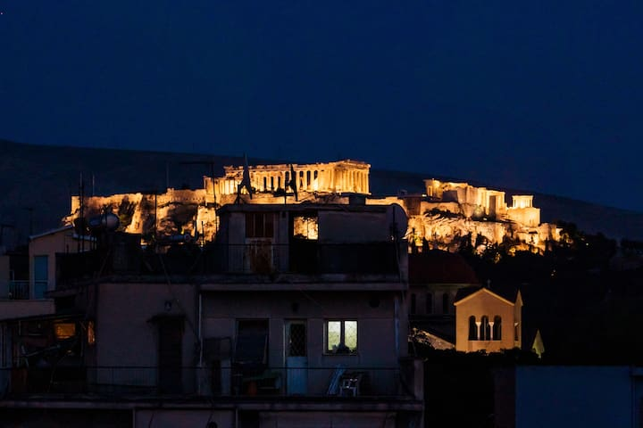 maisonette 5th floor with view to Acropolis