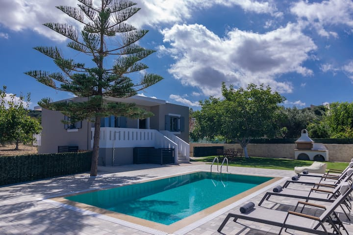 Modern rural villa,Private pool,Ideal for Families