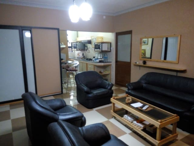 Fully equipped One-bedroom flat close to Ebéne