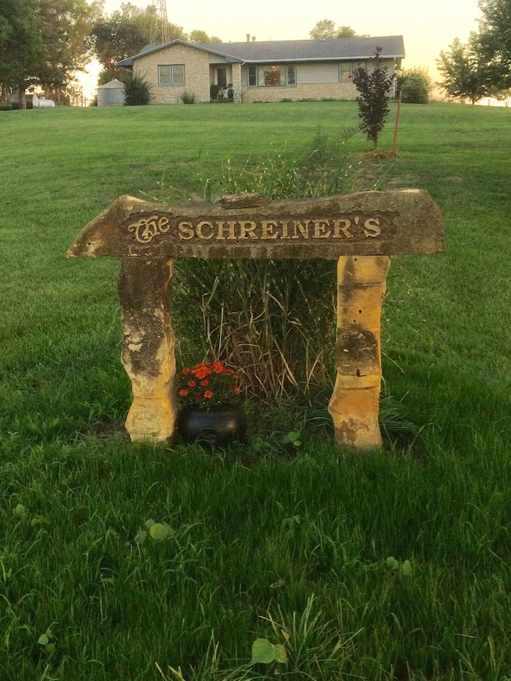 Schreiner's Country Living Apartment
