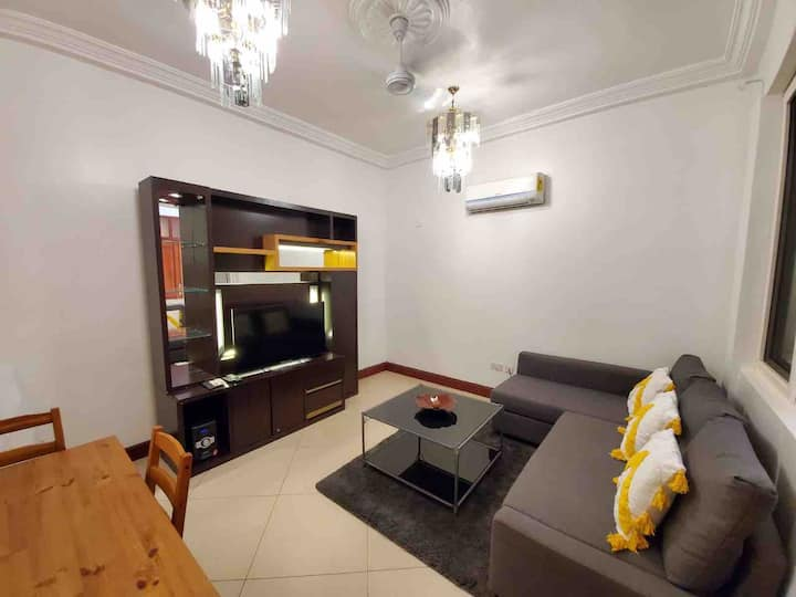 Secure 2 bedroom 1 bath with pool and gym: Unit 7