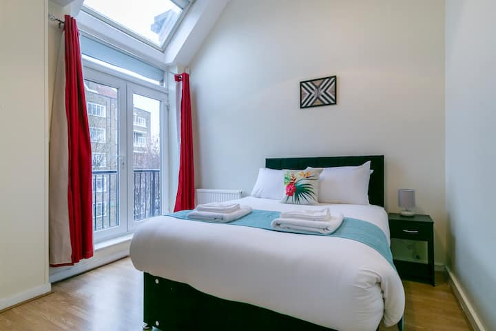 NEW Stylish room in Clapham / Battersea
