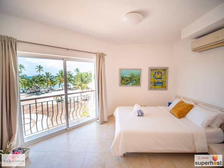 8 People with OCEAN VIEW at Cadaques Caribe