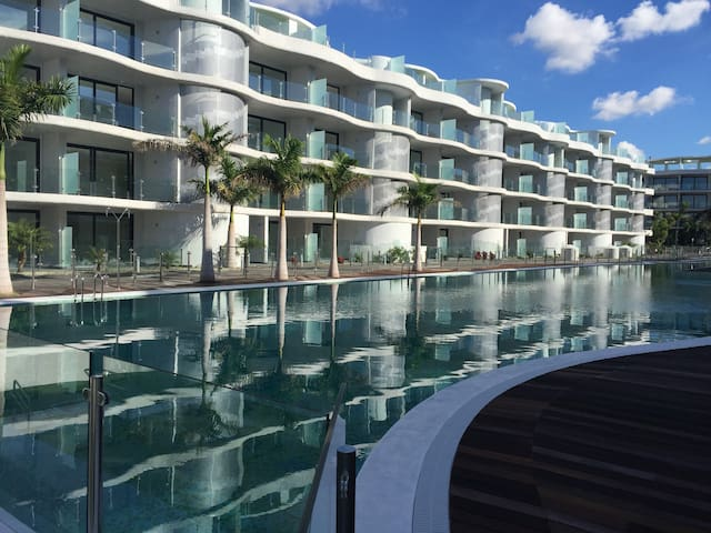 TENERIFE LUXURY SUITE Is The Biggest swimming Pool - Palm-Mar - Loft