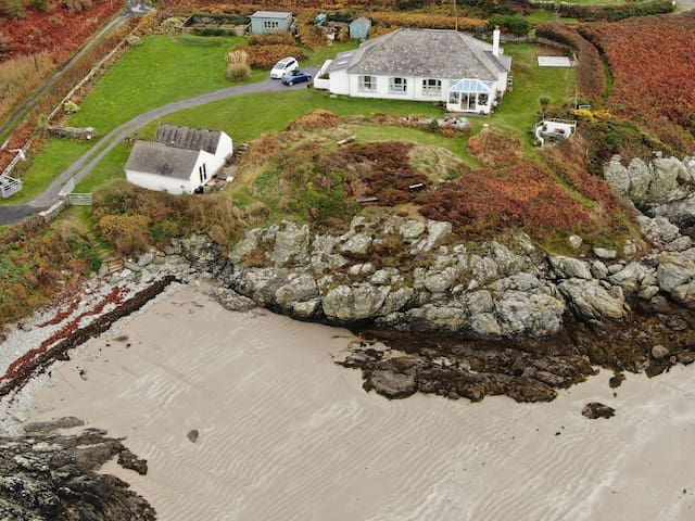 Beach side bungalow on Anglesey Coastal Path