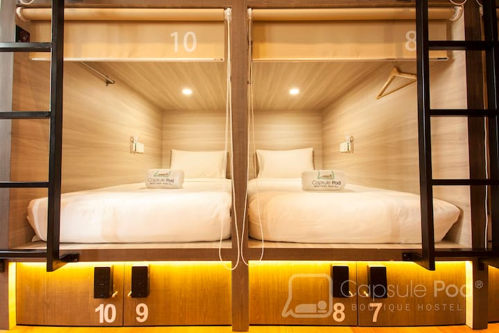 Capsule Pod Single Bed in Mix Share Room