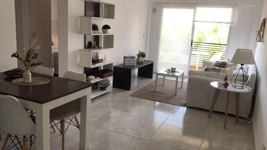 Nuevo, cálido, cómodo y luminoso departamento!!