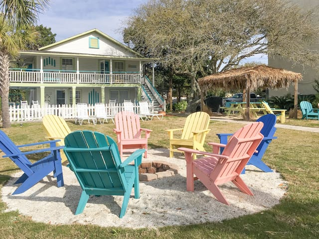 Oceanside Paradise w/ Pool Access – Steps to Beach!