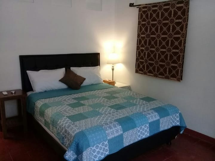 Omah Tluki Room#5 suitable for work with yard