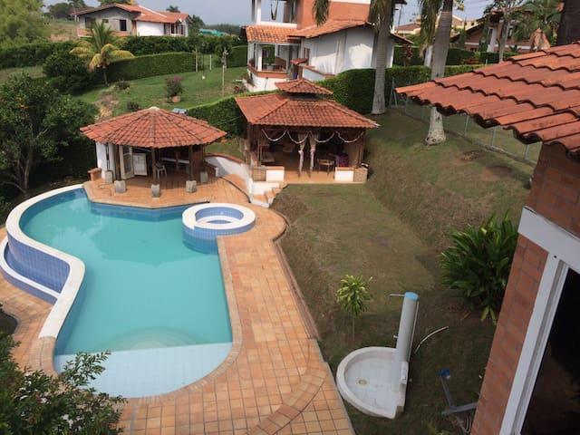 se alquila casa campestre - Pereira - บ้าน