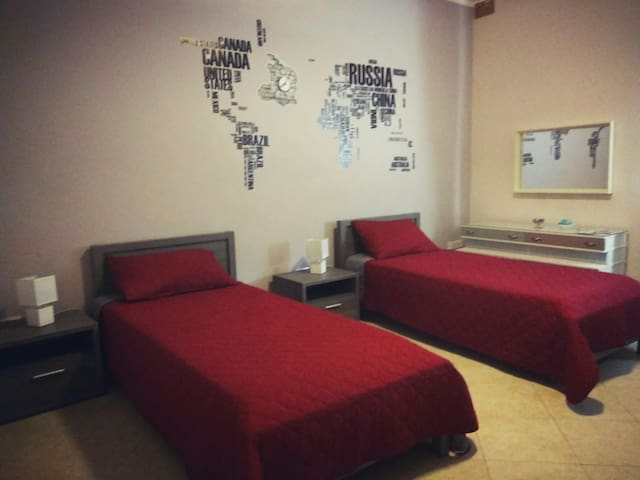 Rm 1 - Close to Airport MALTA! Breakfast included