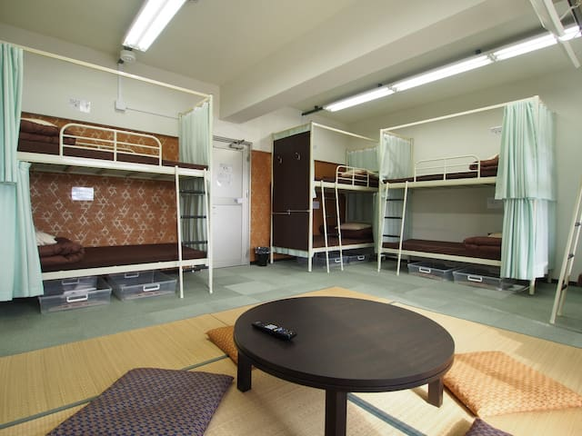 Private room with shared bathroom near Miyajima!