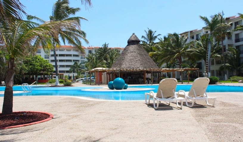 Flamingos Beach Studio / BEACH FRONT VALLARTA