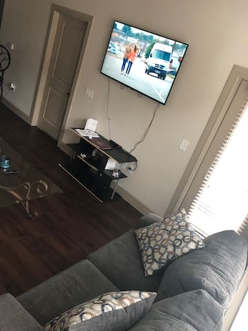 Cozy  1 Bedroom Luxury Apt  In Dallas