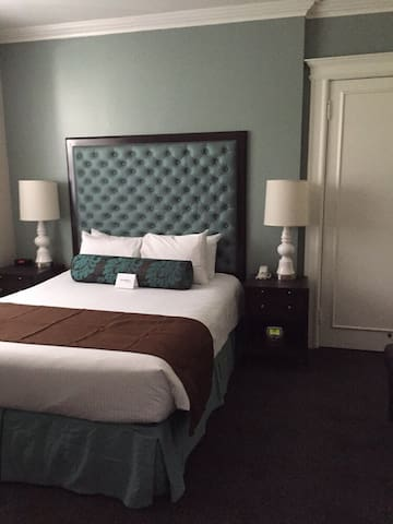 A+ Studio Hotel Style Suite-Heart of Union Square