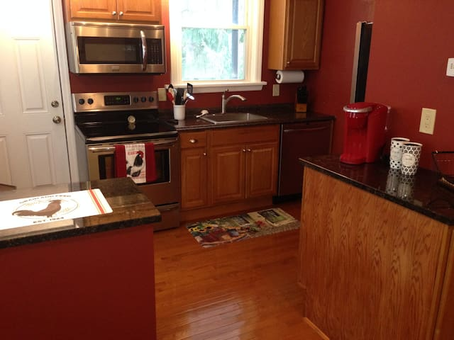Fantastic Location in Mt Lebanon with Parking!