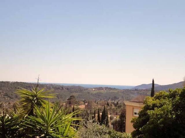 grand appartement avec jardin cote d'azur - Grasse - Condominio