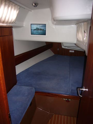 Location à la Cabine, sur voilier à quai