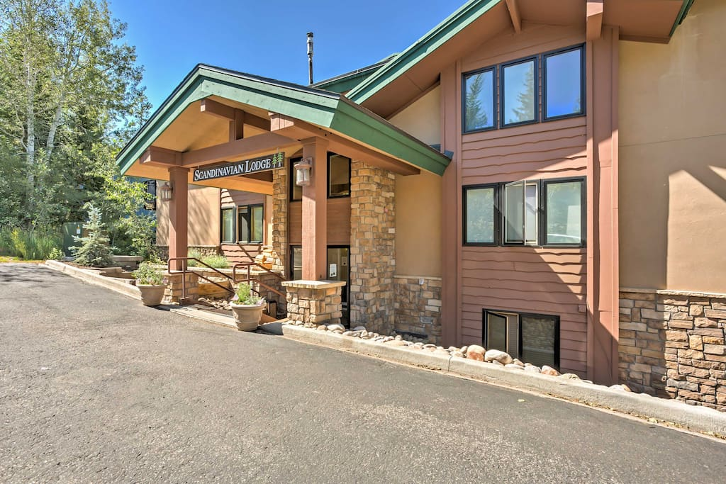 The condo is located in the luxurious Scandinavian Lodge community.