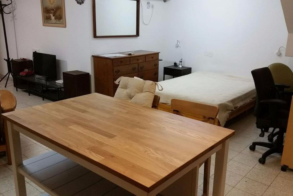 140/190cm bed and TV(cables), working table (internet wifi)