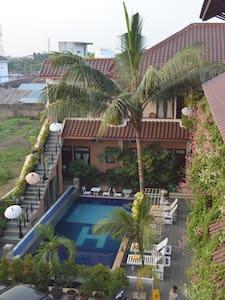 The Best location in Medan Penginapan Murah - Medan Baru - Departamento