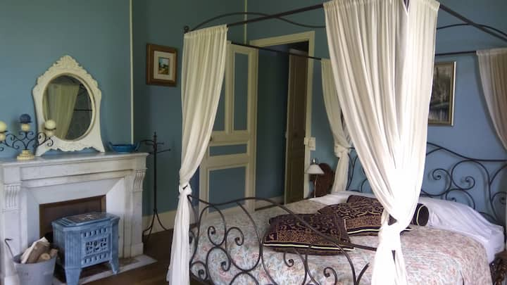 Chambre Bleue 3 person room