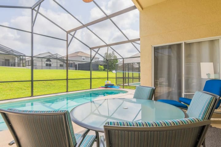 """""""Al Fresco"""" Pool Side Dining Under the Covered Lanai"""