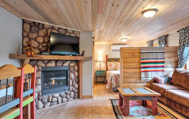 Knotty Pine Ridge View Cabin Midtown Ruidoso