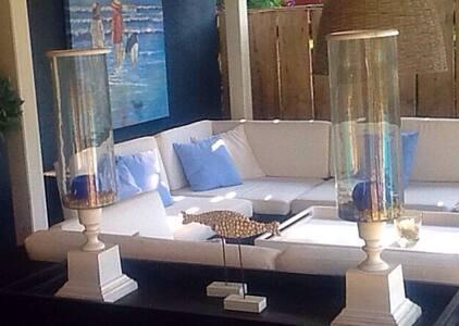 Luxe studio, loungeterras, zwembad. - Anglars-Juillac
