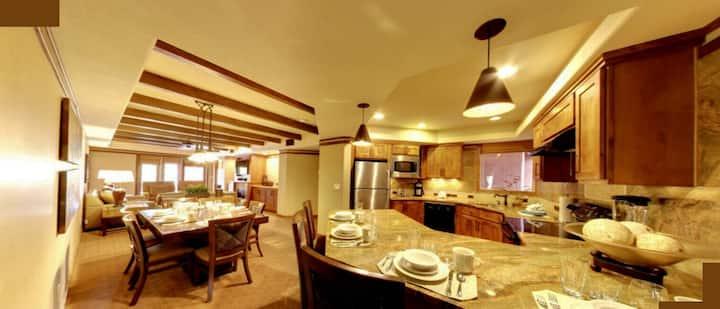 Sedona West End 2BR Luxury condo sleeps 6