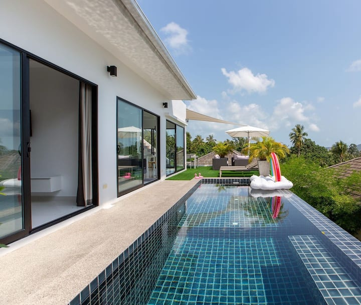 Private Pool Villa, Sea view, Perfect location