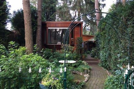 Droomhuisje onder de dennen aan het Speulderbos - Garderen - Almhütte